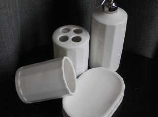 莹润白极简卫浴4件套 洗手液瓶 牙刷架 漱口杯 皂碟 简约出口尾单,