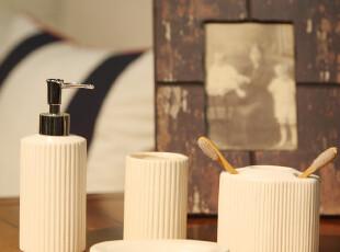 简约竖条纹亚光/陶瓷卫浴四件套件 浴室用品套件套装 卫浴用品,