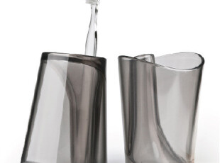 翻身可变牙刷架~方便卫生的漱摇杯Flip Cup|2色可选【泰国Qualy】,