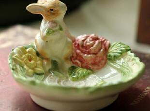 流年花丛中的兔子。立体浮雕烛台/首饰盒/皂盒/烟灰缸  美国订单,