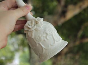 zakka 陶瓷浮雕玫瑰婚铃 欧式白色陶瓷婚礼摇铃 结婚礼物装饰摆件,婚庆,