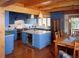 大胆的撞色,混合风格的厨房