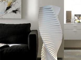 时尚三角扭曲 最具设计感名师设计作品 落地灯 客厅卧室灯,灯具,