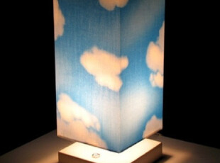 【韩国家居】幻想中的蓝天白云 桌上台灯 亮度可调节,灯具,