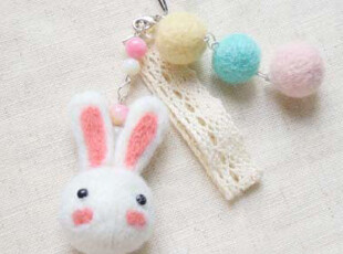 {四月手作} 羊毛毡材料包-小兔子手机链,玩偶,