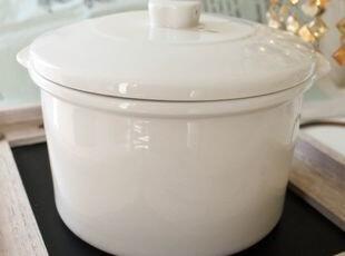 烤鸡最佳搭档:Luzerne奶白色耐高温带盖烤盆(无logo),碗盆,