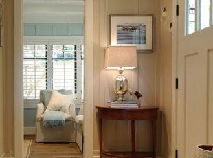 简约形式的玄关设计,最少的家具,最暖的色彩,让人一回家就感受到温馨。,玄关,现代,简约,地台,黄色,白色,