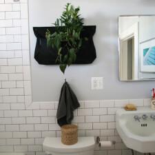 浴室美妆案例:从乱七八糟到复古别致