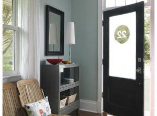 典型的居家式玄关,不做过多的装饰和特殊设计。,玄关,原木色,黑白,收纳,