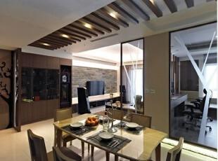 大型展示空间的预留,让屋主可安排入大型座钟收藏。,客厅,大气,简约,现代,