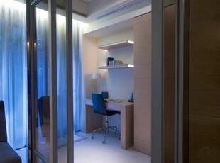 可以独立保有隐私也可以成为客厅旁的腹地,视使用情况任意调整。,简约,大气,现代,空间,