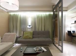 绿色窗帘透露清爽自然原色。,客厅,现代,简约,淡绿,清爽,
