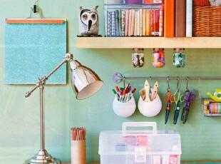 也许你有很多DIY的想法,为墙面增一副收工相框,为餐台添一只收工花瓶,但是却不知道从何开始...不如就从拥有一张DIY工作台开始吧~,工作台,简约,小资,蓝色,红色,