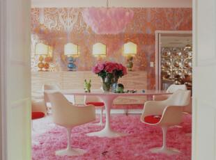 粉白色餐厅