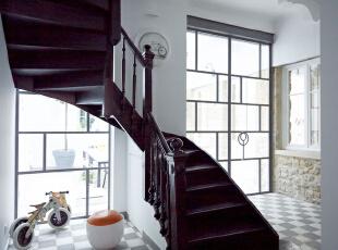 复式现代简约住宅