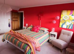 色彩艳丽的卧室设计