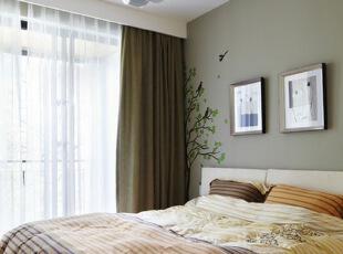 小清新的相片墙,挂在墙上,家的感觉立马浮现,很温馨