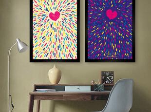 装饰上画或相片,空荡荡的墙面瞬间饱满起来!