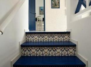 清新,简约的家居风格,装饰画和相片墙成为了焦点。