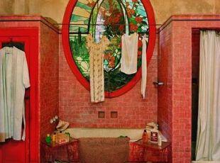 红色浴室独白