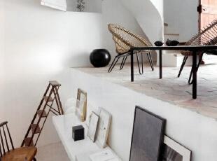 阁楼改造成个人工作室
