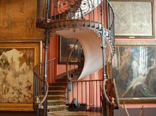 新古典旋转楼梯