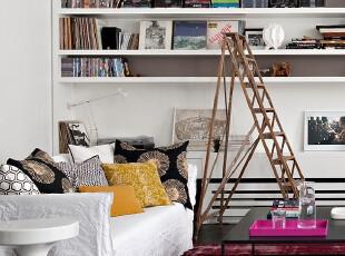 粉色地毯的卧室