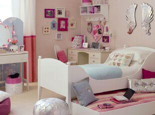 粉色简约的少女房