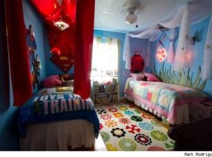 双胞胎姐妹花的甜美卧室