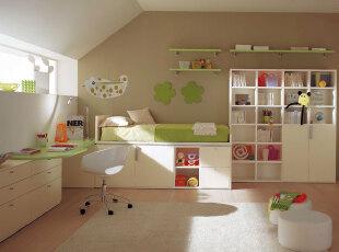 儿童房柜子也有童话色彩