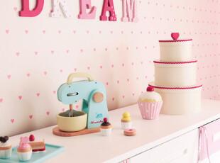粉色和奶白色的结合,可爱又甜美。