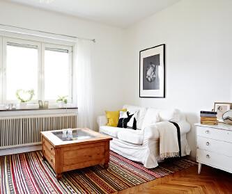 69平米白色复式公寓 清...