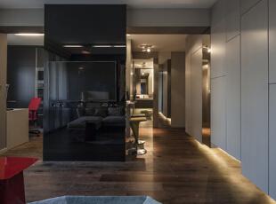 40平叠加创意空间 单身汉的冷调阳刚公寓