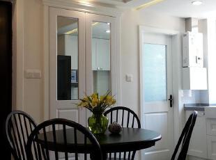 经典的黑白地砖,简明的立面色彩,营造出小资情调的餐厅氛围,厨房,