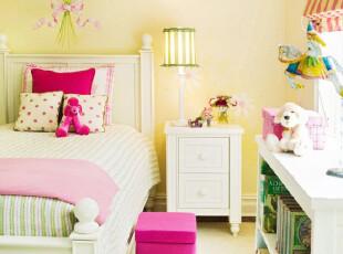 粉嫩宜家风格儿童房
