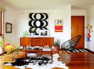 彩色搭配 活跃了客厅