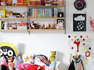 儿童房巧用颜色跟小孩...