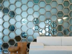 透明玻璃对室内的隔断效果