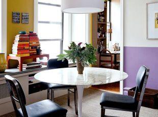 黑白色和紫黄色搭配的小资餐厅