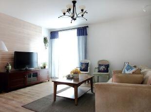 竹木电视背景墙 更接近大自然的客厅设计