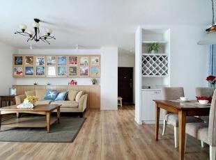 宽敞明亮的客厅图片