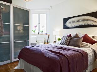 紫色打扮的单身男公寓效果图