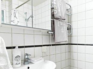 简易情侣公寓卫生间