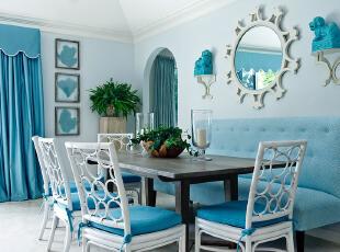 蓝色布艺沙发装饰清新餐厅