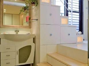 楼梯下空间利用:小转角洗手台