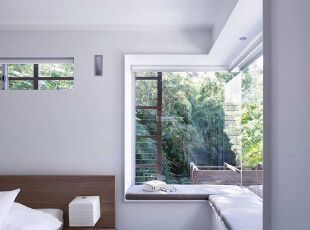 小资卧室L形飘窗设计图