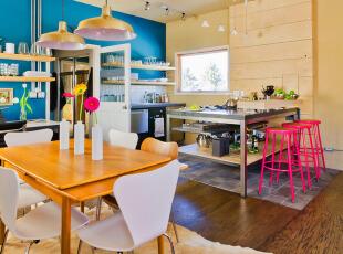 宽敞明亮的开放式厨房