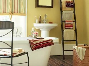 小户型浴室收纳架的巧用