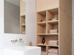 浴室收纳柜的摆放