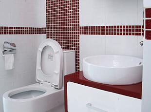 红白色卫浴室 别样的...